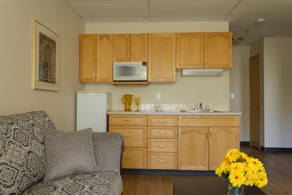 One Bedroom Single/Couple Suite