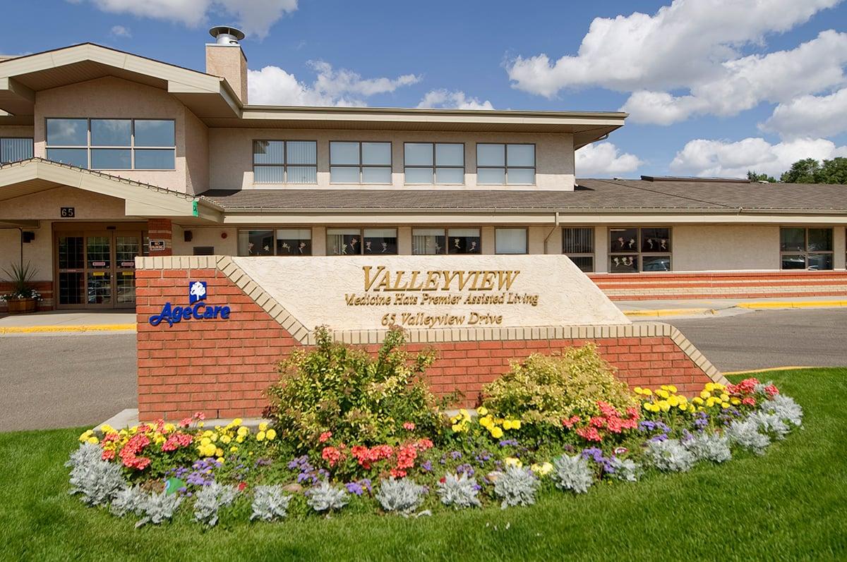 AgeCare Valleyview Retirement Living Medicine Hat AB